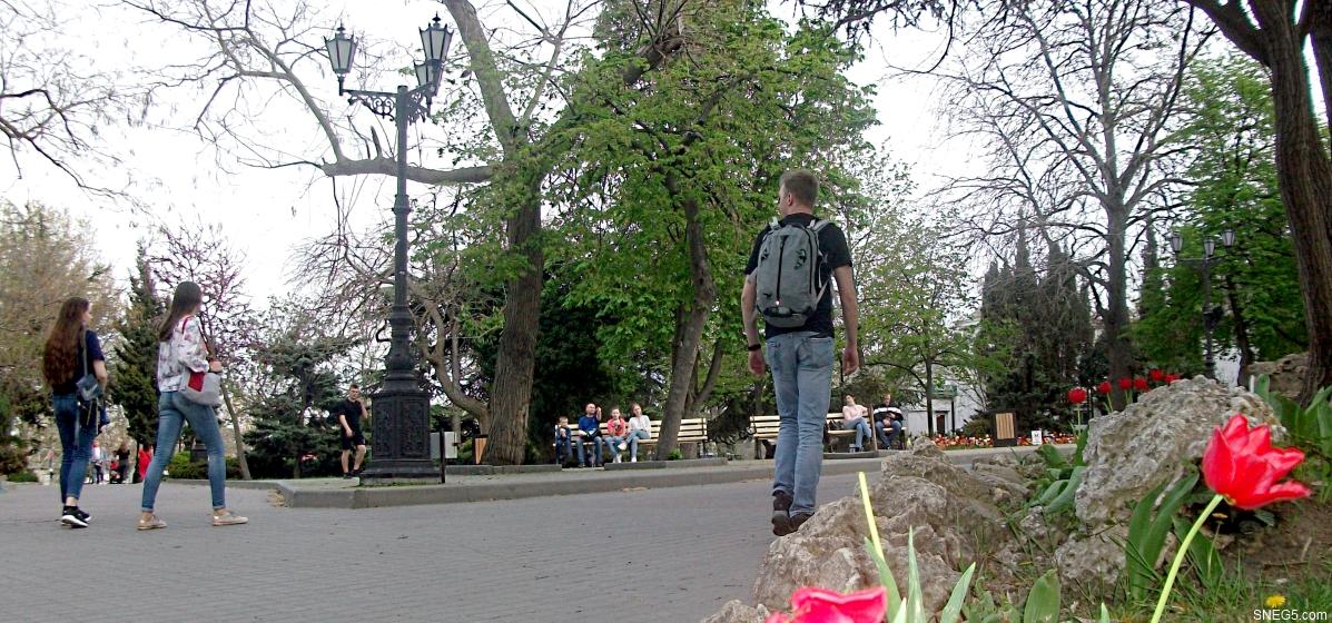 В сквере у Приморского бульвара