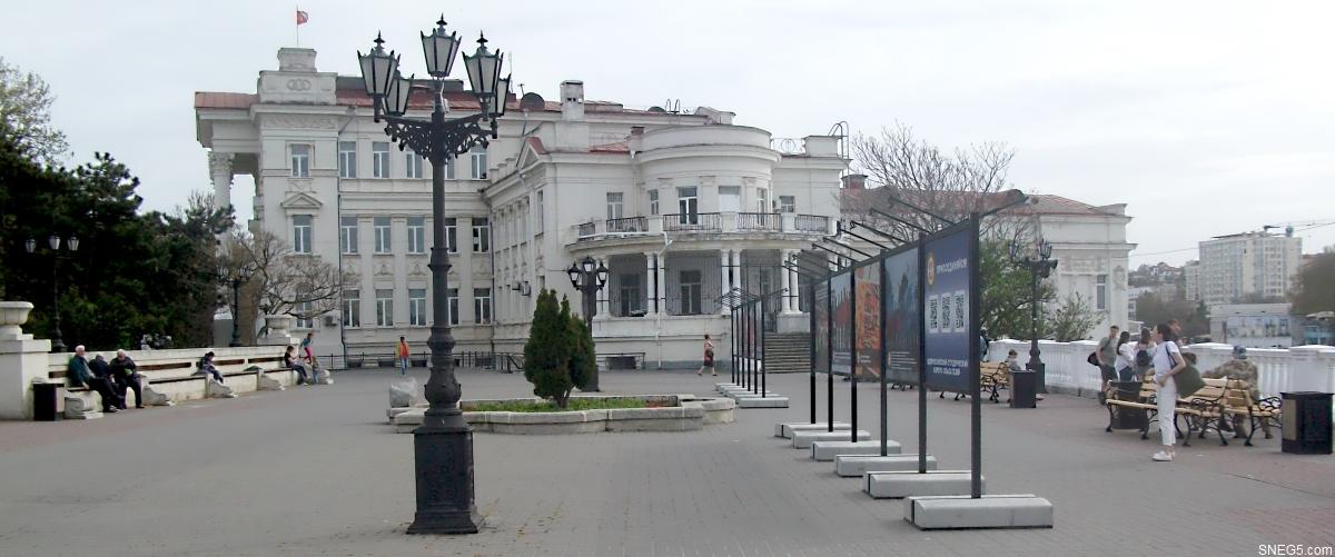 Дворец детского и юношеского творчества на Приморском бульваре