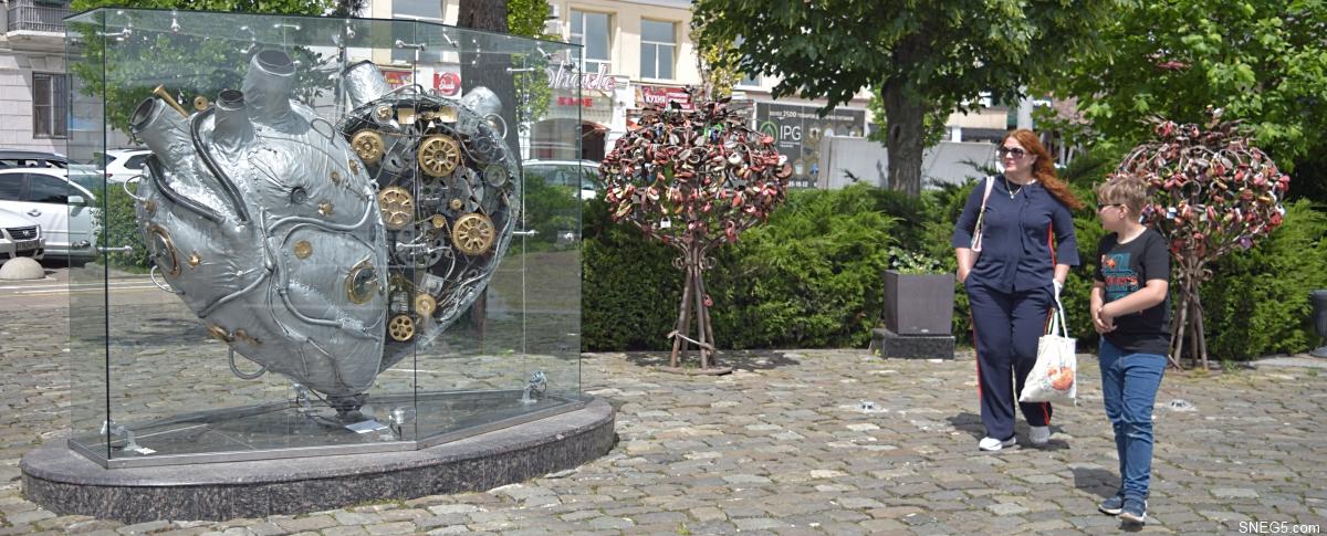 Скульптура «Механическое сердце»