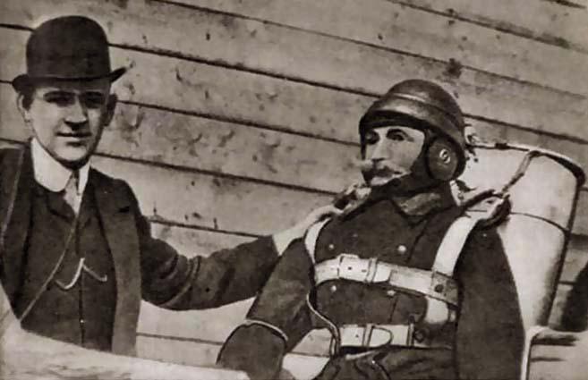 Глеб Евгеньевич и манекен Иван Иванович