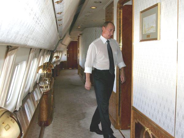 Путин на борту №1