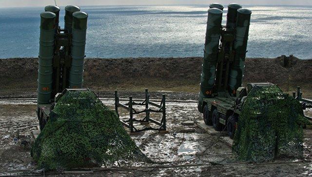 Зенитный ракетный комплекс С-400 Триумф полка противовоздушной обороны в Феодосии.