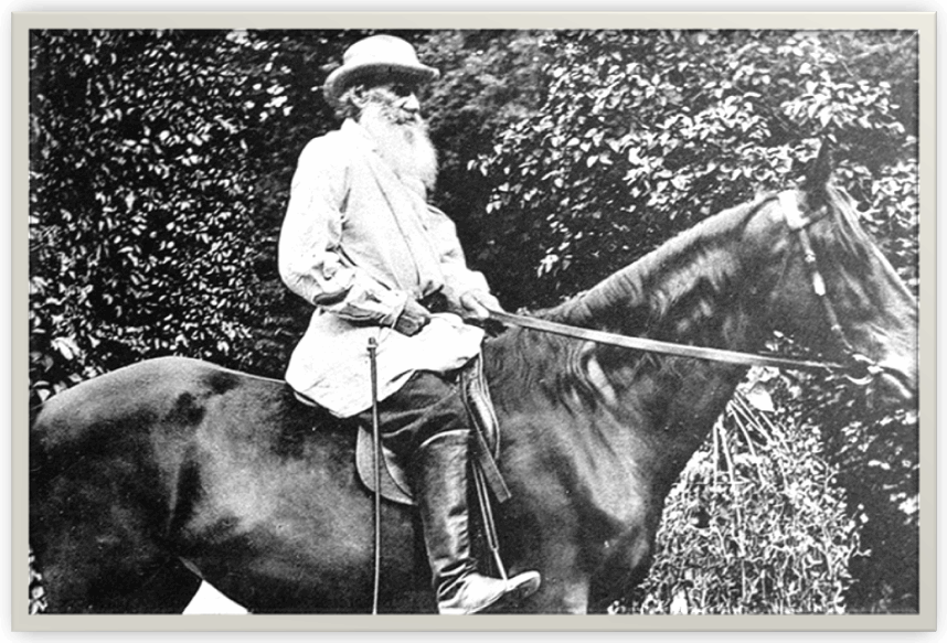 Фото Льва Толстого на любимом коне Делире