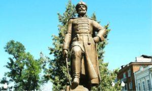 Генералиссимусы. Памятник А. С. Шеину в Азове
