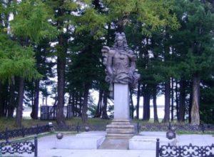 Памятник Князю и графу Меншикову в Березово