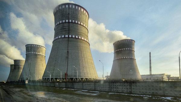 Ровенская АЭС — первая на Украине атомная электростанция с водо-водяными ядерными реакторами, в настоящее время являющимися единственным типом реакторов на Украине, и единственная — с энергоблоками на базе первых реакторов этой серии ВВЭР-440 (В-213).  Ровенская АЭС (РАЭС) расположена в Волынском Полесье, около реки Стыр в четырёх километрах от города Вараш.Ровенская АЭС